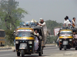 loaded-tuk-tuks-agra