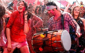 holi-festival-celebration-in-delhi
